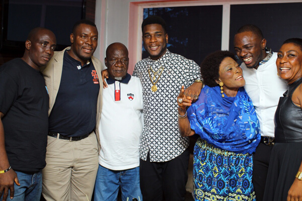 burna-boy-family-picture